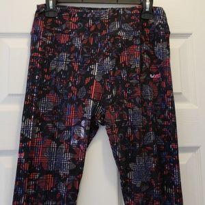 LuLaRoe black/blue/red patterned TC leggings